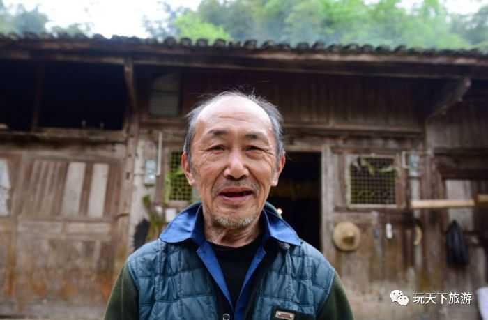 """中国最""""有钱""""的贫困户,居住价值10亿金丝楠老屋"""