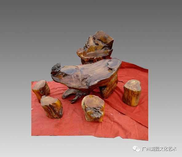 金丝楠木茶几桌椅及收藏价值