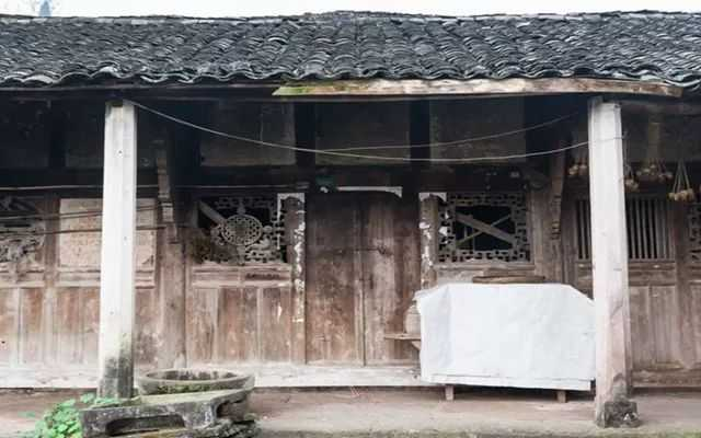 中国最有钱贫困户,住了400年的老房子,估价8个亿
